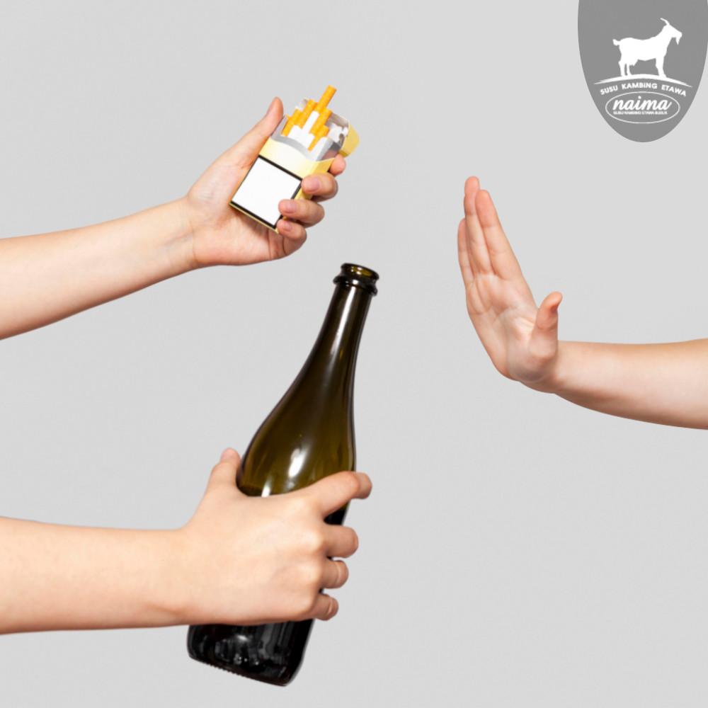 Cara Meningkatkan Antibodi - Hand Refused Cigaretes and Alcohol [susukambing.id]